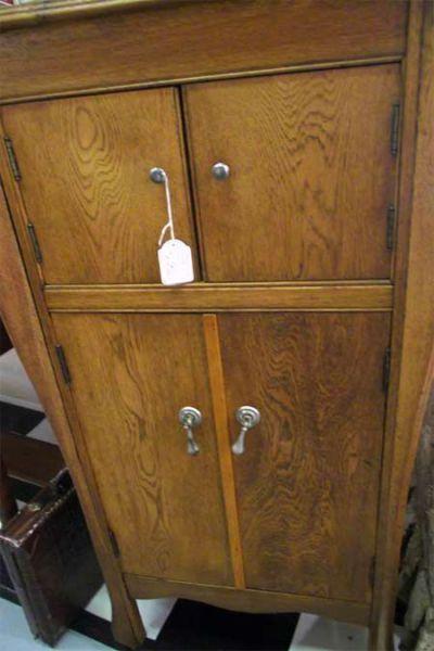 vintage-cupboard